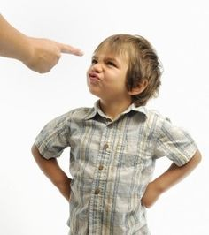5 quick fixes to childhood behavior problems Positive Behavior Management, Pregnancy Problems, Toddler Behavior, Anxiety In Children, Aspergers, Raising Kids, Parenting Hacks, Parents, Sons
