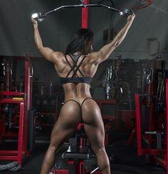"""""""➡ @espana927 ・・・ BUENOS DÍAS ❣  AMIG@S  Les recomiendo la página @the_beast_body_  #bodybuilding #datass #calicolombia #onelove #abs #rcssathlete…"""""""