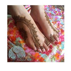 Unique henna design Organic henna with a touch of tradition Tradition designs Indian style design Toronto artist Traveling artists for destination wedding Quality Henna Art - Mehndi artist in Toronto / GTA Henna design for punjabi Shadi Feet design