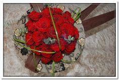 Bouquet de Rosas Vermelhas e Renda