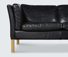 Black Leather 3 Seater_ Detail