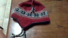 This hat begins with an I-cord and can be adapted up or down in size depending on your yarn weight and needle, as well as the number of stitches in your I-cord. It is knitted top down. I Cord, Knits, Ravelry, Knitwear, Winter Hats, Beanie, Stitch, Knitting, Medium