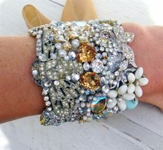 An excellent way to re-use all those broken bits of costume jewelry I have accumulated.  - Click image to find more Other Pinterest pins