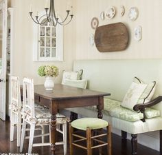 Breakfast nook. LOVE! Banquette, table, chairs.