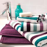 Lovely colour combo for the towels (Badrumsmöbler, handfat och inredning - IKEA)
