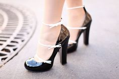 Oh these shoes! Louis Vuitton three bow pump.
