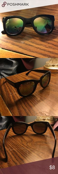 Vans sunglasses reflective sunglasses from vans. Survived a music festival and still in great condition! 🕶 Vans Accessories Sunglasses