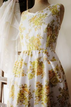 Oh my goodness, I love these dresses made from vintage sheets.