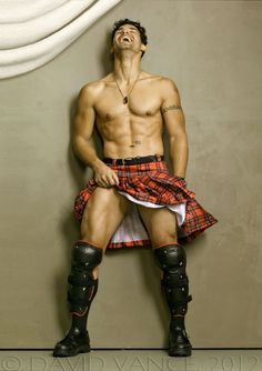 one must always post pics of a man in a kilt