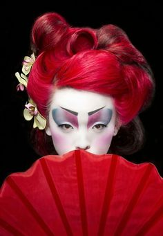 This dramatic red geisha look is stunning!