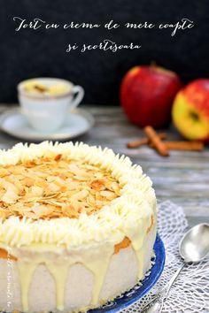 Un tort de mere coapte si scortisoara. O reteta superba, cu arome de toamna. Blat vanilat, crema fina si aromata, glazura de ciocolata alba si migdale.