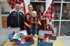 Which made some AFC Bournemouth fans very happy! Bournemouth University, Afc Bournemouth, Work Looks, The Past, Fans, Shoulder Bag, Activities, Happy, Shoulder Bags