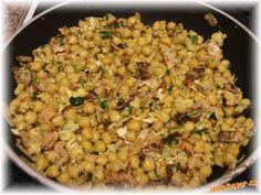 Cizrnová pánvička zdravá rychlovka Raw Food Recipes, Vegetable Recipes, Pitta, Fried Rice, Healthy Snacks, Detox, Food And Drink, Lunch, Vegetables