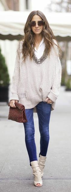 Layered Oversized Sweater , Skinny Jeans , Ankle Lenght Heel Shoes | Cozy Classic Outfits