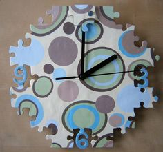 Cute Creative DIY Wall Clock Ideas for Kids Room - Home Design - lmolnar - Best Design and Decoration You Need Puzzle Crafts, Puzzle Art, Make A Clock, Cool Clocks, Clock Art, Puzzle Pieces, Diy Projects To Try, Diy Wall, Wall Decor