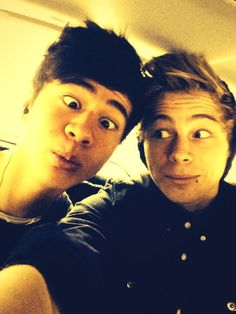 Twitter / 5SOS: More backseat selfies ...