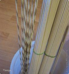 Поделка изделие Плетение Плетенка для клубков Бумага газетная Трубочки бумажные фото 5