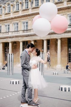 Ambitieuse: diary | our wedding: the photoshoot bride, groom, love, kiss, marriage, wedding, balloons, pastel, pink, paris, france, french, photography, parisian, inspiration, cute,