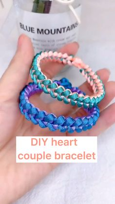 Fun Diy Crafts, Bead Crafts, Jewelry Crafts, Diy Bracelets Patterns, Diy Bracelets Easy, Bracelet Crafts, Cool Friendship Bracelets, Diy Accessoires, Diy Braids