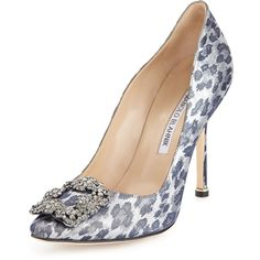 Manolo Blahnik Hangisi Metallic Leopard-Print Pump ($1,065) ❤ liked on Polyvore featuring shoes, pumps, heels, metallic leoprd, pointed-toe pumps, metallic pointed toe pumps, leopard print pointed toe pumps, crystal pumps and heels & pumps
