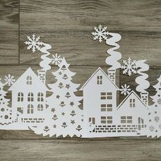 Paper Flowers Craft, Paper Crafts Origami, Nordic Christmas, Christmas Wood, Christmas Ornament Template, Christmas Ornaments, Christmas Window Decorations, Christmas Stencils, Holiday Crafts