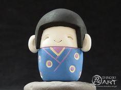 Etsy のShinobu Araki Art・Ceramic Boy In Japanese Traditional Costume(ショップ名:ShinobuArakiArt)