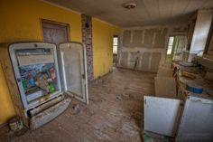 abandoned-kitchen-refrigerator