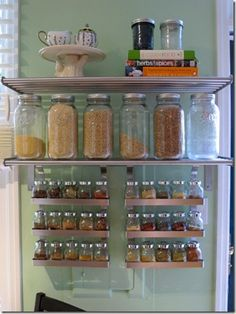 fantastic kitchen storage! would like to incorporate more jars in my pantry Spice Organization, Spice Storage, Spice Racks, Kitchen Pantry, New Kitchen, Kitchen Storage, Messy Kitchen, Kitchen Decor, Cozy Kitchen