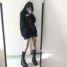 Egirl Fashion, Ulzzang Fashion, Tomboy Fashion, Korean Fashion, Fashion Outfits, Edgy Outfits, Korean Outfits, Grunge Outfits, Pretty Outfits