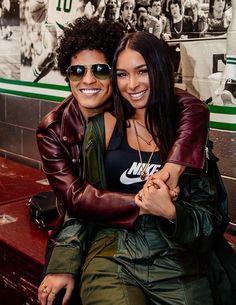 Bruno Mars Jessica Caban, Bruno Mars Tickets, Cute Celebrities, Celebs, Female Celebrities, Happy Birthday My Love, Lucky Ladies, The Girlfriends, Cute Actors