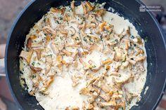 Rahm-Pfifferlinge mit Semmelknödeln - Madame Cuisine Creamed Mushrooms, Stuffed Mushrooms, Stuffed Peppers, Bread Dumplings, White Bread, Risotto, Easy Meals, Low Carb, Dinner