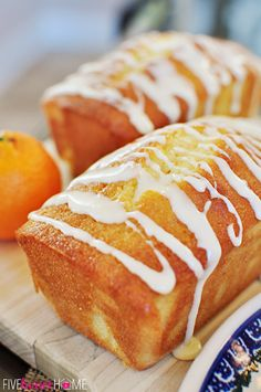 Orange Pound Cake Mini Loaves ~ moist, buttery, and bursting with sunny citrus flavor! so delicious! Loaf Recipes, Cake Recipes, Cooking Recipes, Köstliche Desserts, Delicious Desserts, Yummy Food, Bread Cake, Dessert Bread, Orange Recipes