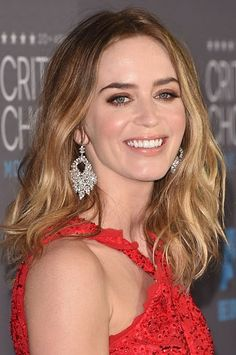 Emily Blunt's Critics' Choice Awards Hair + Makeup #celebrityfashion