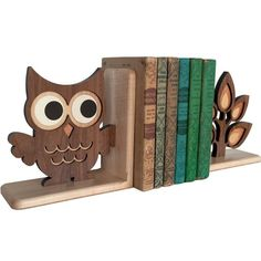 Love these bookends for a kids room! The tree shelf is adorable, too!