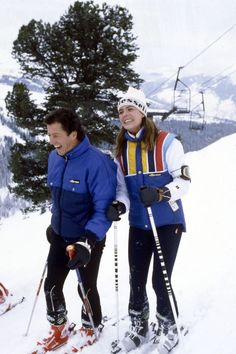 Courchevel, , Princess Caroline of Monaco skiing with her first husband Philippe Junot., Get premium, high resolution news photos at Getty Images Christian Dior, Philippe Junot, Vintage Ski, Vintage Travel, Vintage Posters, Monaco Royal Family, Princess Caroline Of Monaco, Vogue, Ski Fashion