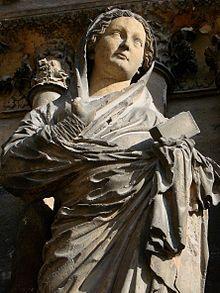 Detalle de la Virgen de la Visitación en la catedral de Reims.