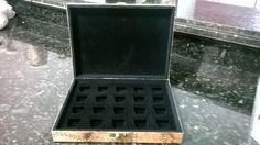 caixa porta -pastilha de cafe em MDF revestida com filtro de cafe usado,imitaçao de couro.