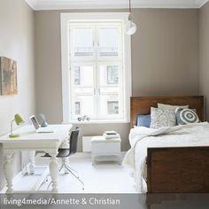... Schreibtisch lassen genug Freiraum im Schlafzimmer. Das sanfte