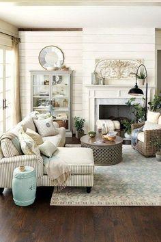 Living Room Farmhouse Style Decorating Ideas 04