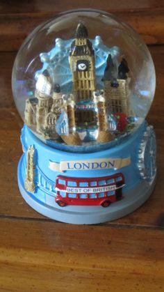 snow globe - London
