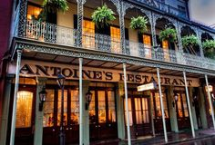 16 Incredibly Old New Orleans Bars and Restaurants That Should Never Close