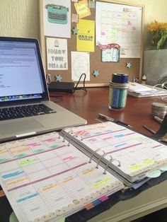 I admire people that can maintain this level of paper organization!