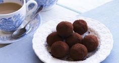 Roddas Cornish clotted cream truffles - So easy to make, these truffles have an unbelievably satiny texture. Make them for a special occasion or pack them up in a pretty box as a thoughtful gift. They certainly wont last very long! Milk Recipes, Dog Food Recipes, Dessert Recipes, Chocolate Truffles, Chocolate Recipes, Delicious Chocolate, Homemade Truffles, Truffles Recipe, Bonbons Recipe