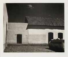 Paul Strand photo, 1933. Learn Fine Art Photography - https://www.udemy.com/fine-art-photography/?couponCode=Pinterest10