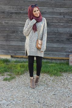 over-size sweater hijab- Hijab looks by Sincerely Maryam http://www.justtrendygirls.com/hijab-looks-by-sincerely-maryam/