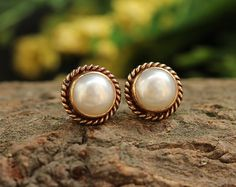 Bridal gold pearl earrings 18K Gold Pearl Stud by Studio1980
