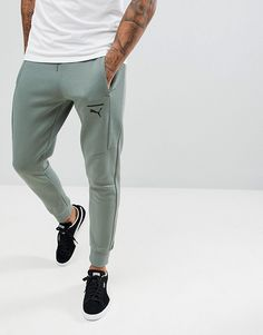 Puma Pace Skinny Joggers In Green 57680923 at ASOS. Jogger Pants Style, Mens Jogger Pants, Joggers Outfit, Sweatpants, Track Pants Mens, Skinny Joggers, Herren Outfit, Camisa Polo, Mens Clothing Styles
