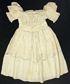 Toddlers' Dress; ca. 1830; Made in America with cotton material; back view