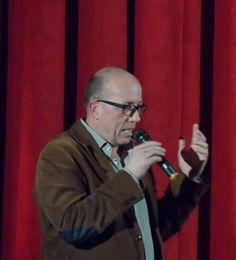BELTRACCHI – DIE KUNST DES FÄLSCHENS – Hamburg Premiere am 03.03. im Abaton mit Regisseur Arne Birkenstock. Äußerst sehenswerter Dokumentarfilm, in dem sich der Kunstfälscher Beltracchi selbst als größenwahnsinnig und selbstgerecht und den Kunstmarkt als nach hochpreisiger Ware gierend enttarnt. Schön, die eingebauten Szenen mit dem Maler Max Ernst, die deutlich machen, dass nichts über die wahre Kunst geht. Film und Filmgespräch: Unterhaltsam und aufschlussreich!