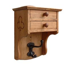 Trendy small wood projects to sell hooks ideas - diy projects Wood Projects That Sell, Barn Wood Projects, Wood Projects For Beginners, Reclaimed Wood Projects, Small Wood Projects, Woodworking Projects That Sell, Diy Woodworking, Youtube Woodworking, Salvaged Wood